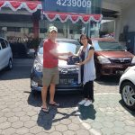 Foto Penyerahan Unit 1 Sales Marketing Mobil Dealer Daihatsu Cimahi Wiwik