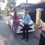 Foto Penyerahan Unit 7 Sales Marketing Mobil Dealer Toyota Surabaya Zainal Abidin
