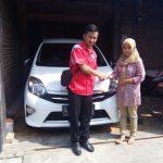 Foto Penyerahan Unit 9 Sales Marketing Mobil Dealer Toyota Surabaya Zainal Abidin