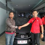 Foto Penyerahan Unit 3 Sales Marketing Mobil Dealer Honda Makassar Ukhy