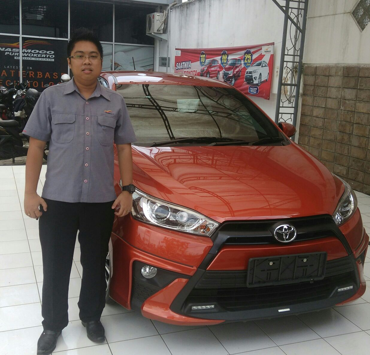 Sales Marketing Mobil Dealer Toyota Franky