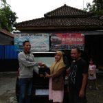 Foto Penyerahan Unit 3 Sales Marketing Mobil Dealer Daihatsu Rendy