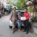Foto Penyerahan Unit 3 Sales Marketing Mobil Dealer Toyota Surabaya Zainal Abidin