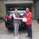 Foto Penyerahan Unit 4 Sales Marketing Mobil Dealer Toyota Surabaya Zainal Abidin