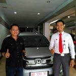 Foto Penyerahan Unit 11 Sales Marketing Mobil Dealer Honda Makassar Ukhy