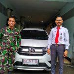 Foto Penyerahan Unit 2 Sales Marketing Mobil Dealer Honda Makassar Ukhy