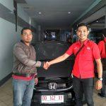 Foto Penyerahan Unit 3 Sales Marketing Mobil Dealer Honda Makassar Ukhy